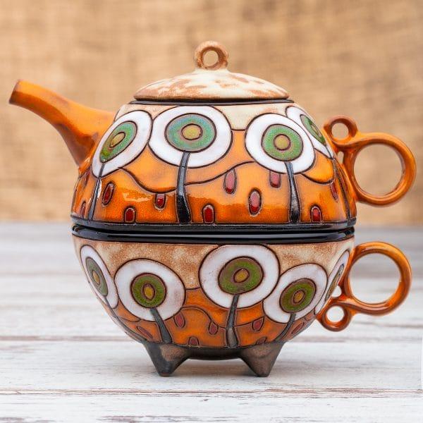 Чайник с чаша