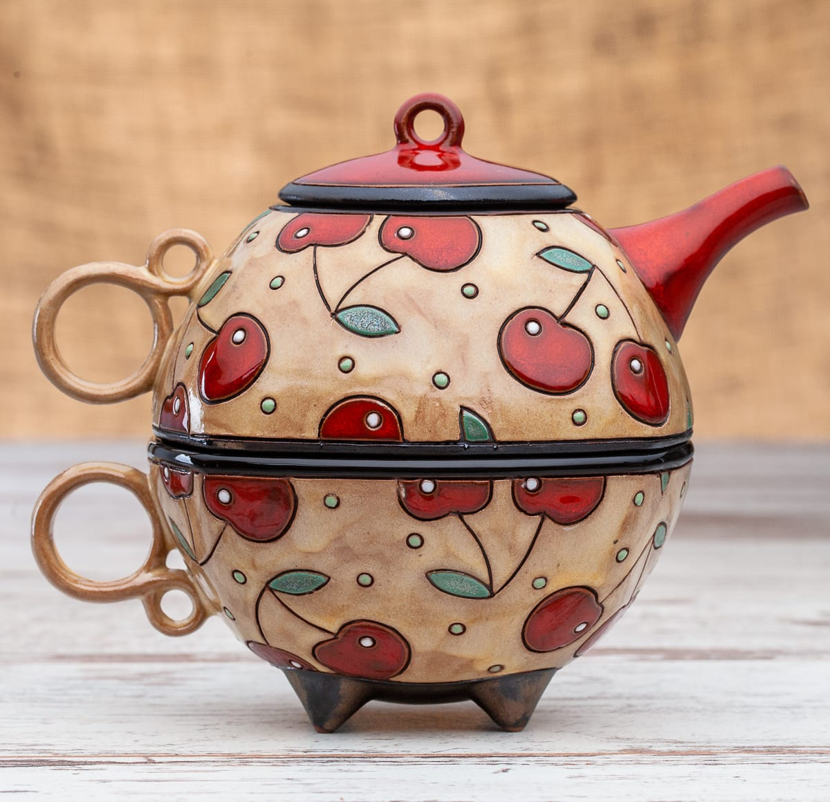 Чайник с чаша Череши