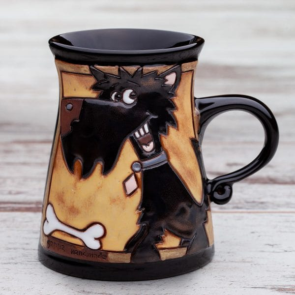 Керамична чаша Кученце с кокалче