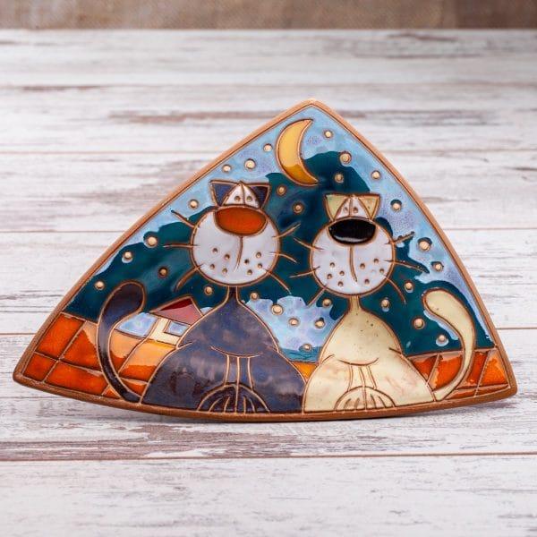 триъгълна купичка Котки на покрив