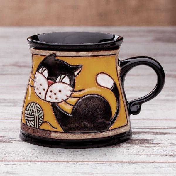 Керамична чаша Котенце с кълбо