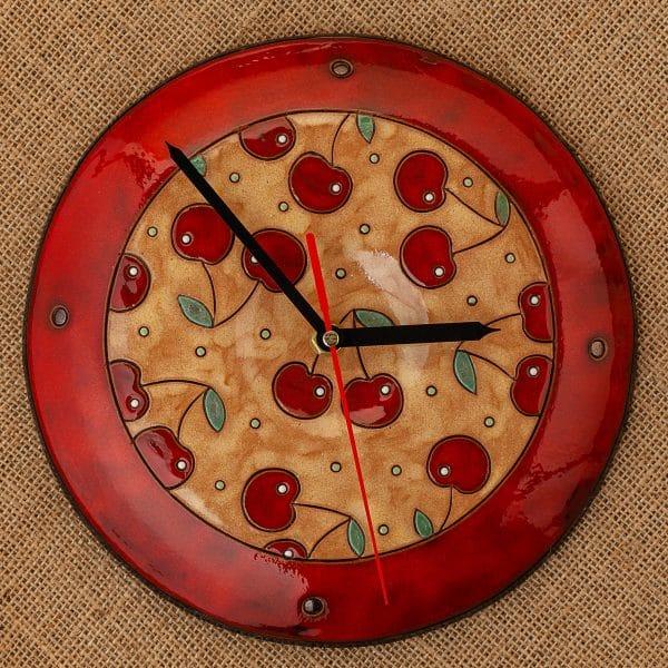 Ръчно изработен керамичен часовник Череши