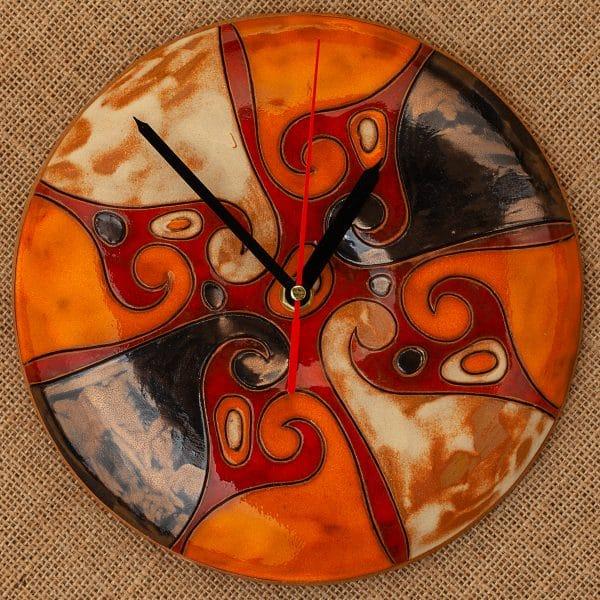 Ръчно изработен керамичен часовник Вълни