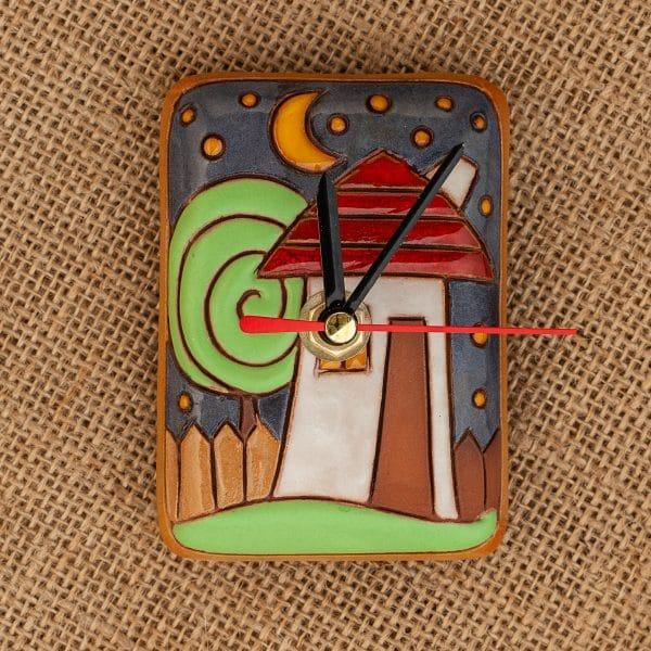 Керамичен часовник ръчна изработка Къщички
